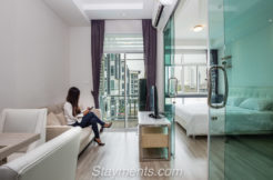 For rent: Contemporary 1 Bedroom Condo near Central Festival.