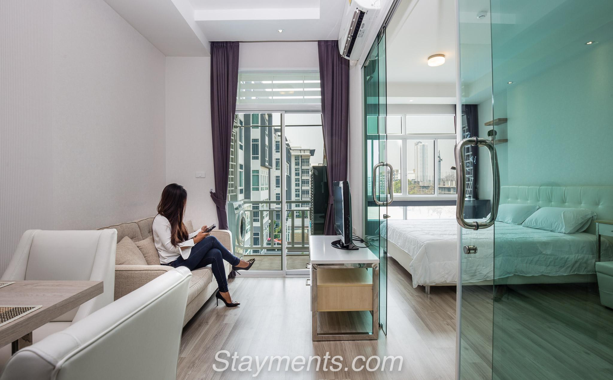 For Sale: Contemporary 1 Bedroom Condo near Central Festival.