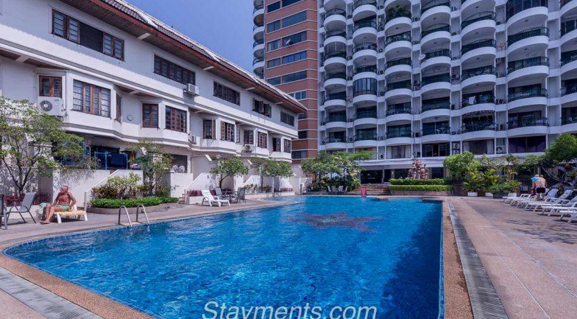Hillside 4 swimStudio for rent at Hillside 4ming pool