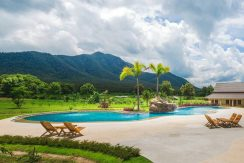 Boutique Resort For Rent With Amazing Mountain Backdrop View