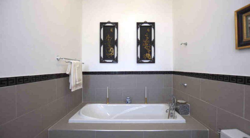 house-3-bathroom-1