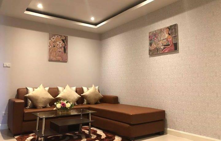 trio-condo-livingroom-1