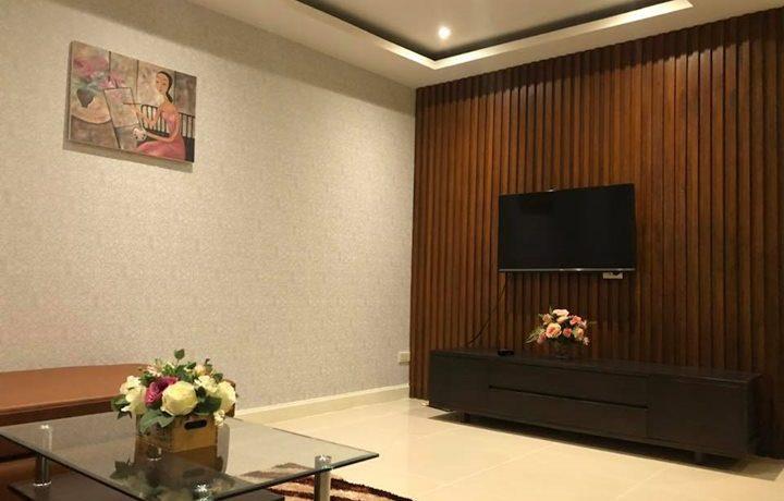 trio-condo-livingroom-2