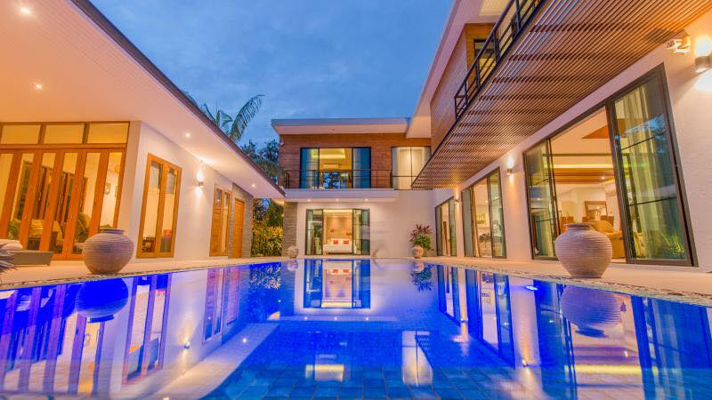 Four Bedroom Modern Style House With Private Swimming Pool For Sale Stayments