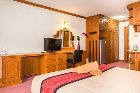 studio for rent at hillside 3 - 2