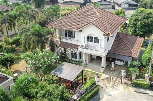 Four Bedroom House for Sale in Hang Dong with Big Garden Area.