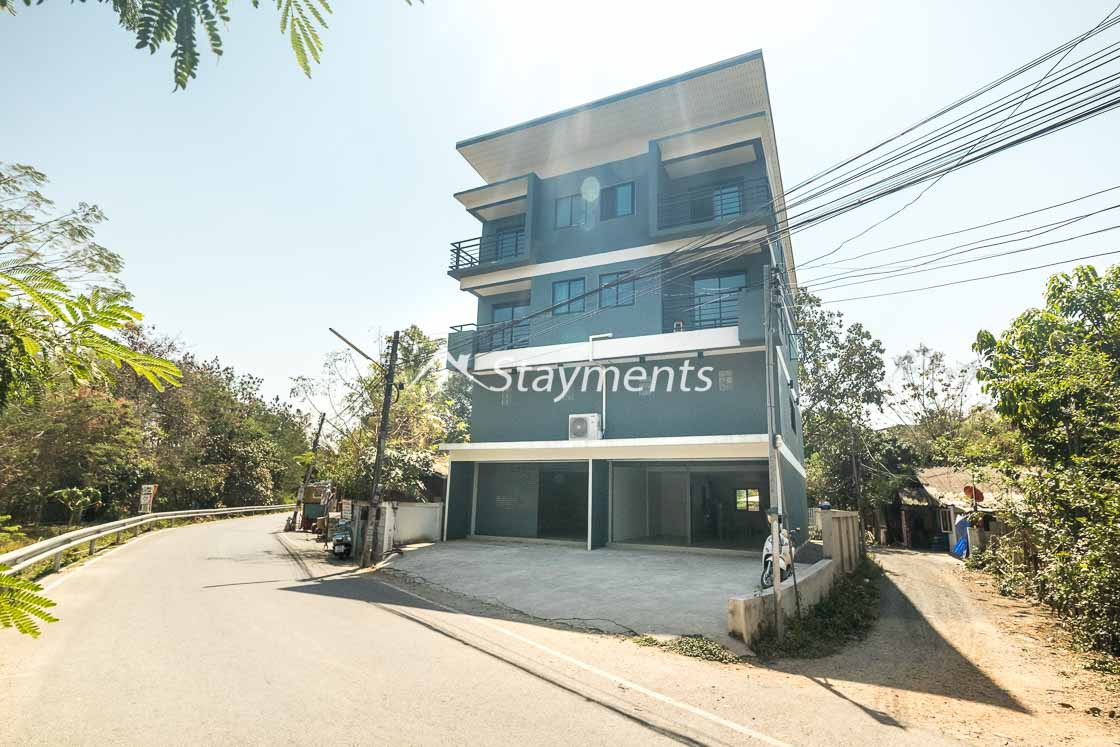 Large Shophouse Building for Sale in Jed Yod Chiang Mai