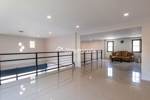 Modern townhouse with shop for sale (8 of 25)