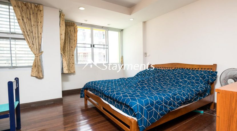 3 story townhouse for sale in nimman