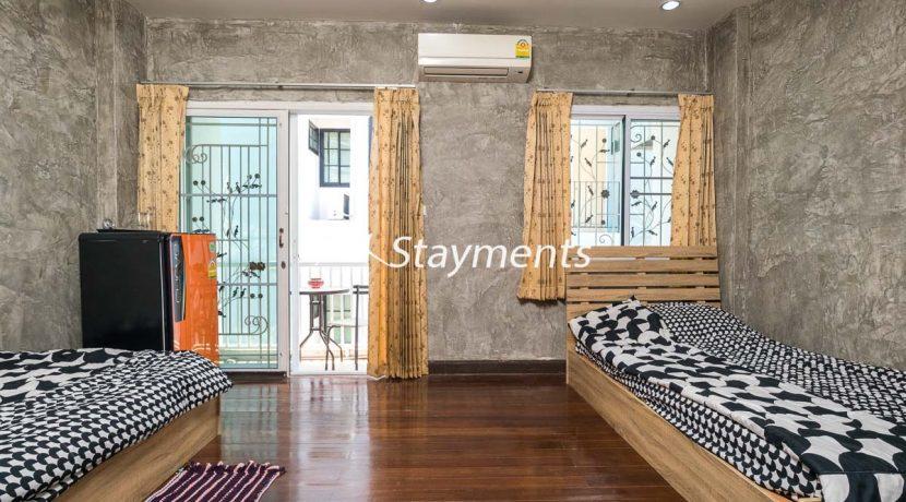 third floor bedroom with balcony - house for sale in Nimman