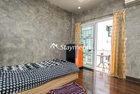 third floor bedroom with balcony - house for sale in Nimman 2