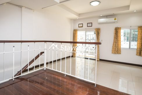 Landing space in Nimman townhouse for sale