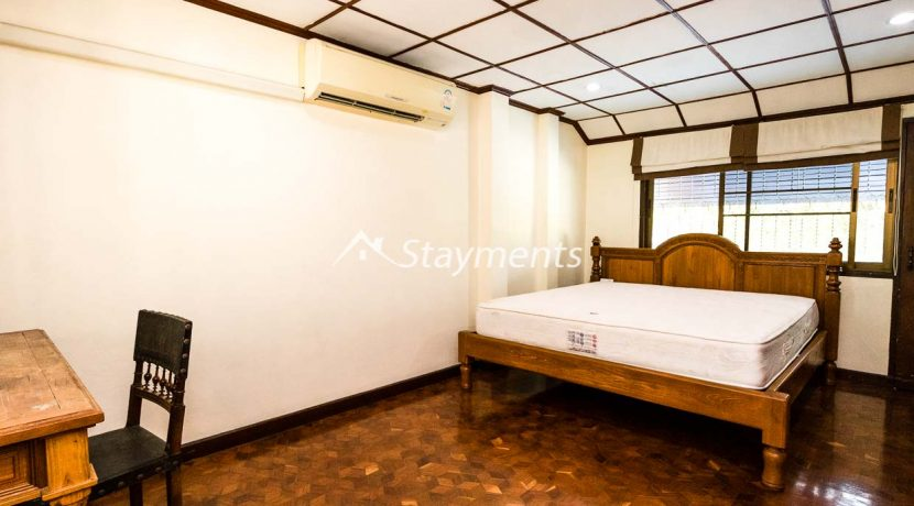 four bedroom house for rent near Meechok Plaza (19 of 24)