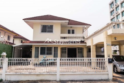 four bedroom house for sale near CMU (1 of 13)