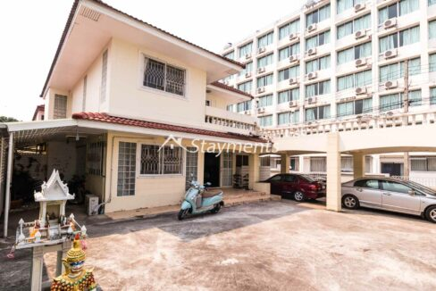 four bedroom house for sale near CMU (2 of 13)