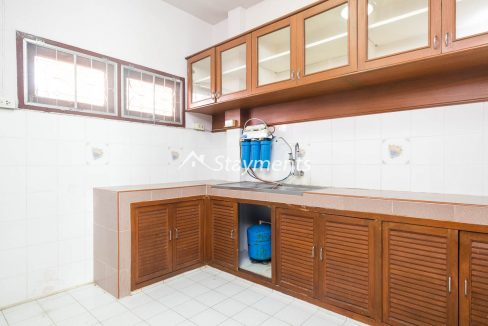four bedroom house for sale near CMU (5 of 10)