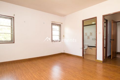four bedroom house for sale near CMU (7 of 10)