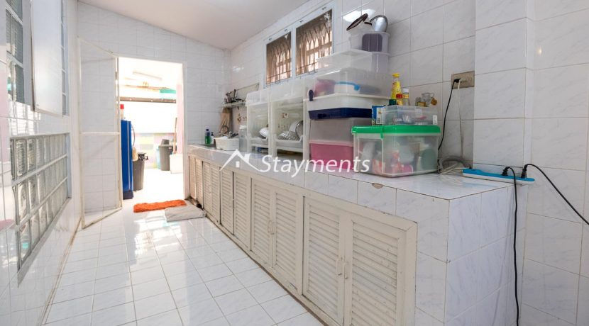 four bedroom house for sale near CMU (8 of 13)