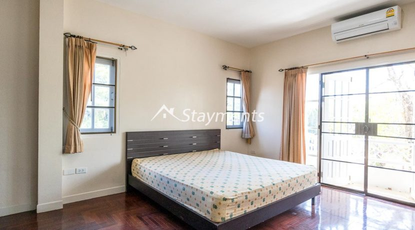 four bedroom house in home in park for rent (11 of 16)