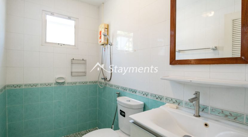 four bedroom house in home in park for rent (13 of 16)