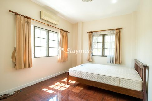 four bedroom house in home in park for rent (14 of 16)