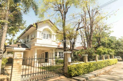 Four Bedroom  Semifurnished House for Sale/Rent in Hang Dong.