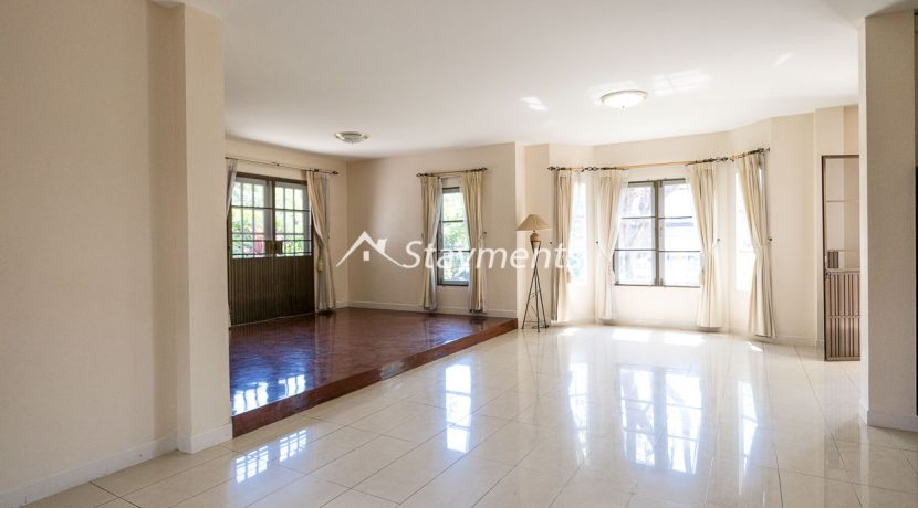 four bedroom house in home in park for rent (2 of 16)