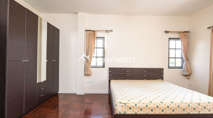 four bedroom house in home in park for rent (8 of 16)