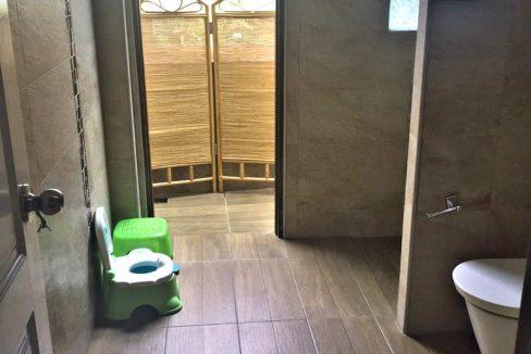 house for sale in doi saket - bathroom-2