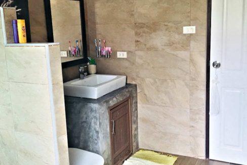 house for sale in doi saket - bathroom sink-1