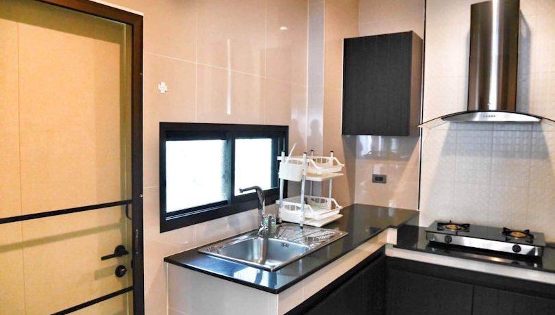 setthasiri-house for rent-furnished-kitchen-2