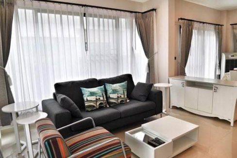 setthasiri-house for rent-furnished-living-room-2
