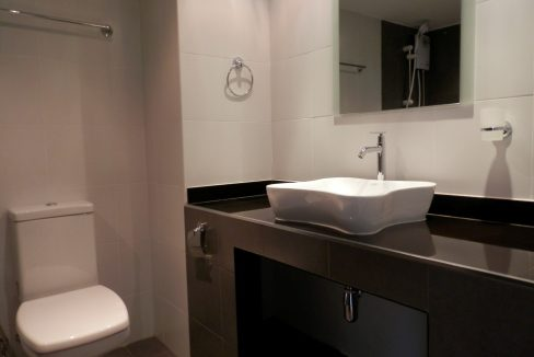 newly refurbished studio for sale in chiang mai-11