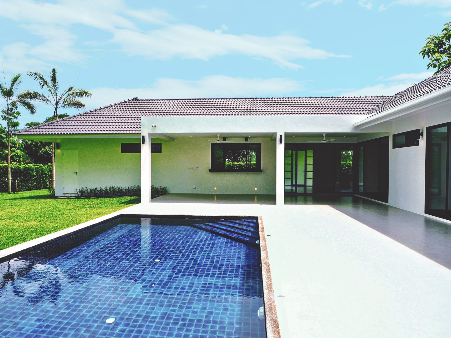 3 Bedroom L Shaped Pool House For Sale In Namphrae Stayments