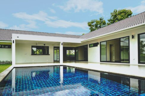 house for sale in Chiang Mai with swimming pool