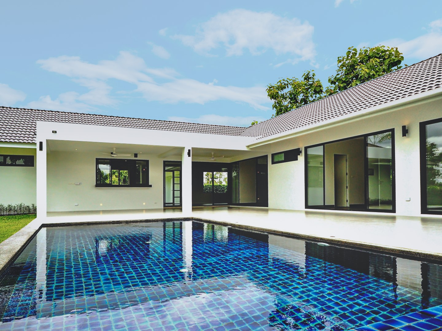 3 Bedroom L-Shaped Pool House For Sale In Namphrae