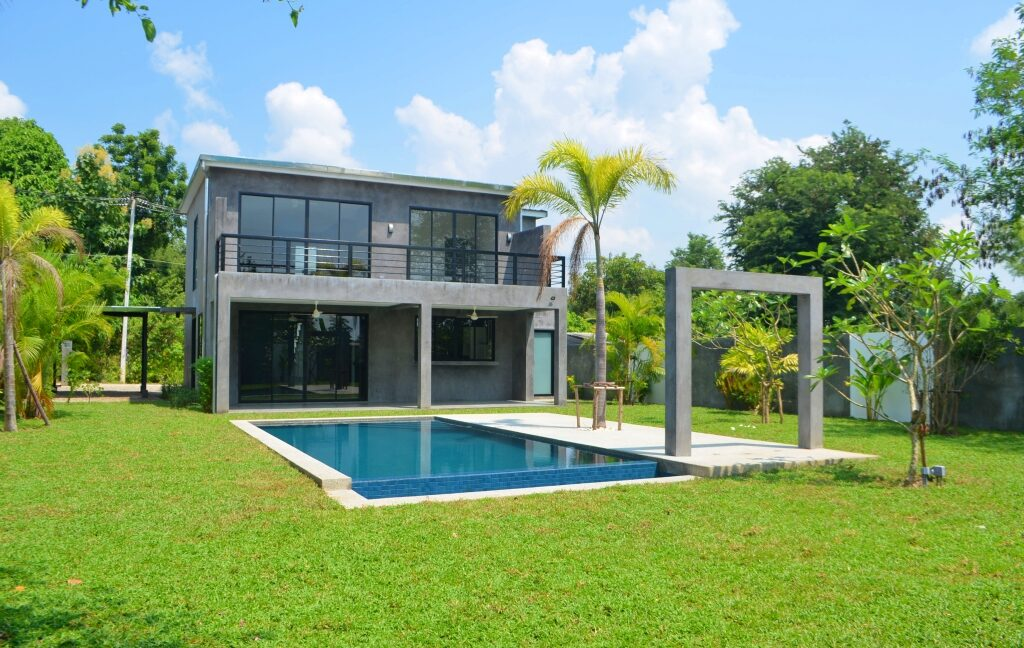 pool house for sale in namphrae-1