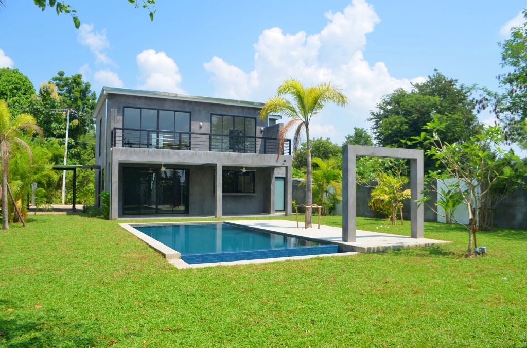 3 Bedroom Pool House For Sale In Namphrae