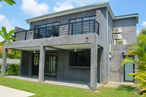 pool house for sale in namphrae-4
