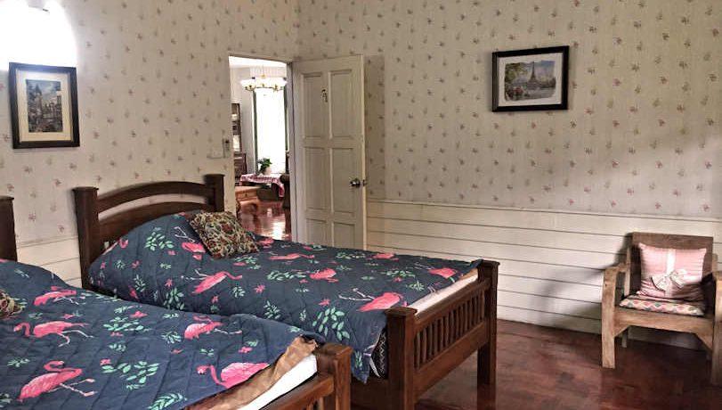 house for rent santitham bedroom-1