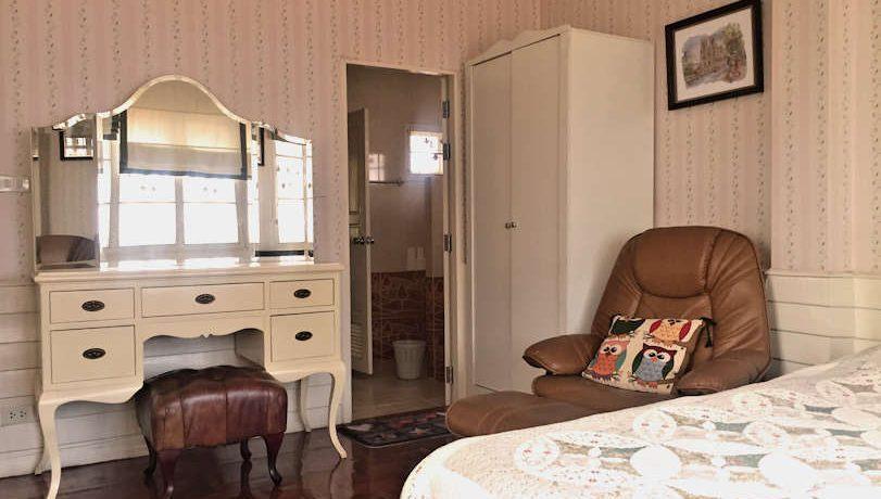 house for rent santitham bedroom-3-2