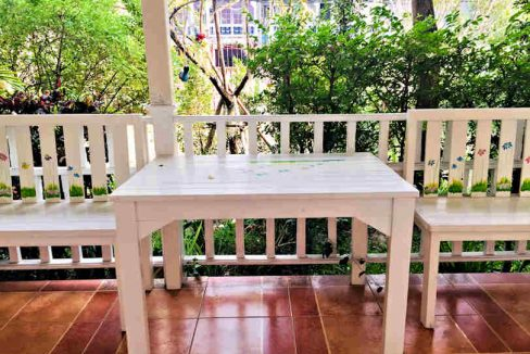 house for rent santitham outdoor-3
