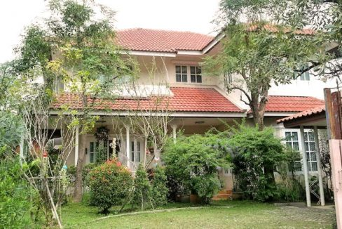 house for rent santitham outdoor-4