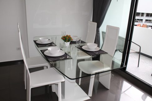 apartment for sale and rent in chiang mai - dining area 1