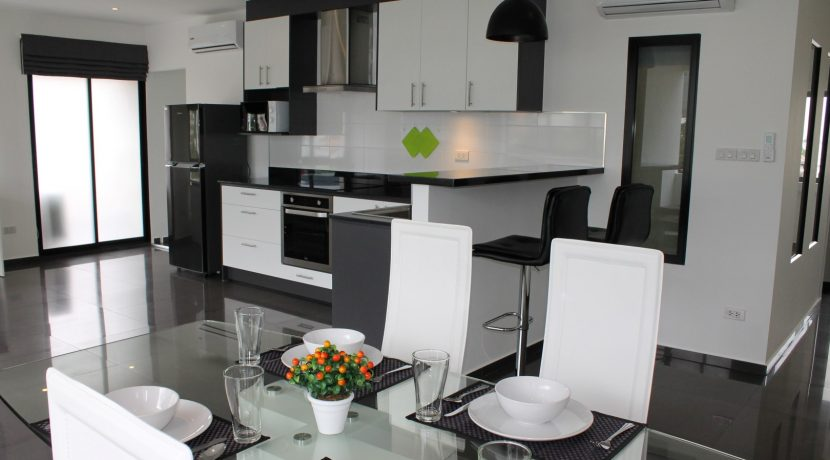 apartment for sale and rent in chiang mai - dining area 2