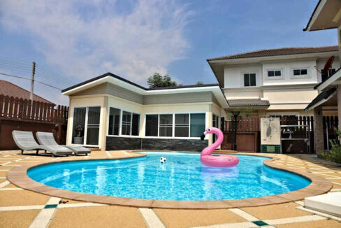 House With Pool For Sale Or Rent In Chiang Mai