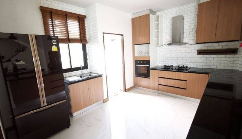 pool house for sale in hang dong-11