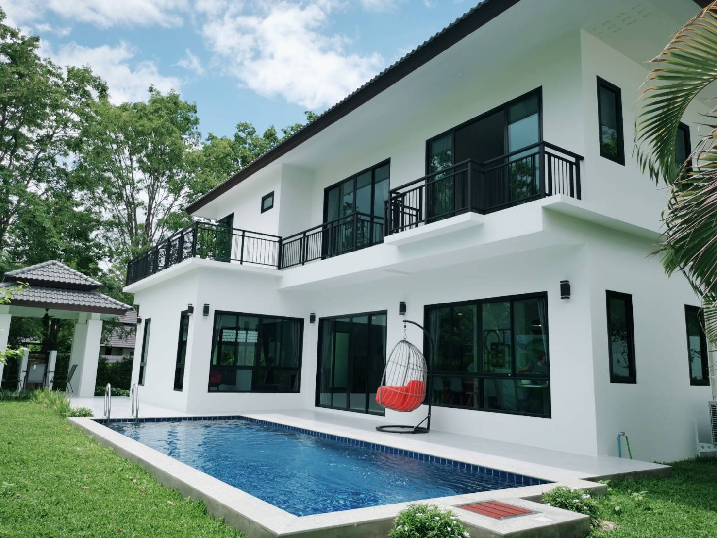 Stunning And Brand New Pool House For Sale