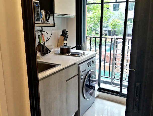 the escent condo kitchen