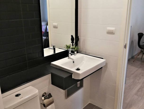 the escent condo modern bathroom-1